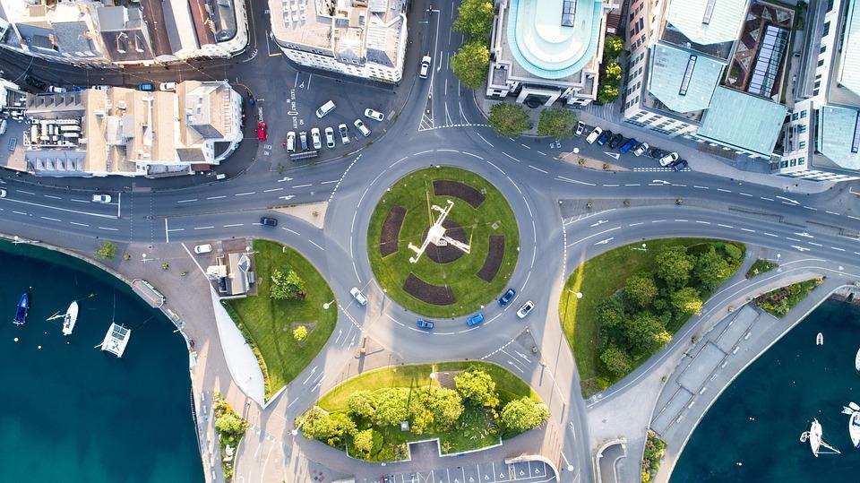 Claves para crecer de manera sostenible en el sector transporte