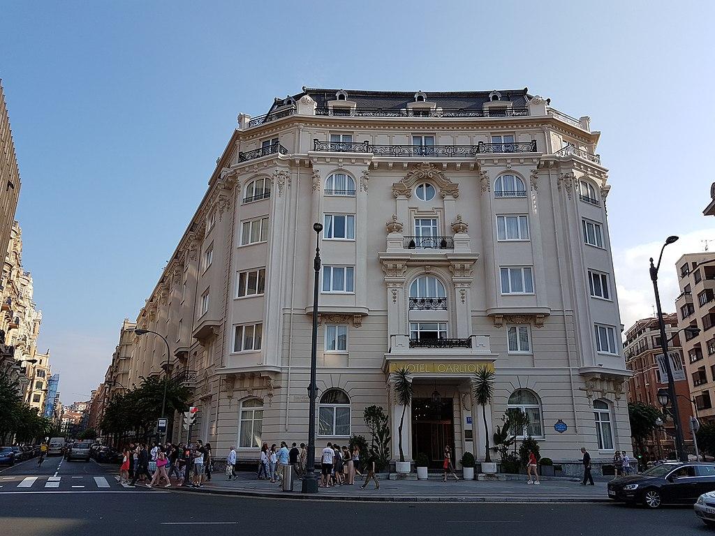 1024px-Hotel_Carlton_(Bilbao).jpg