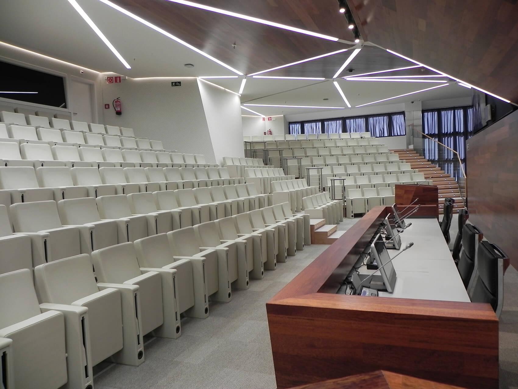 ES-Bankia-HQ-Torres-Kio-Madrid2.jpg